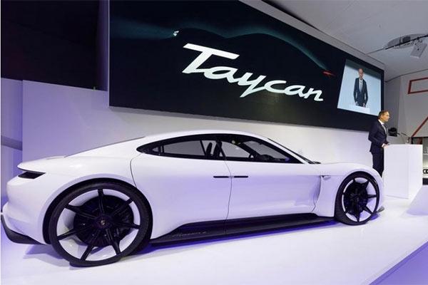 保时捷首款纯电动跑车Taycan发布 预售或超3万