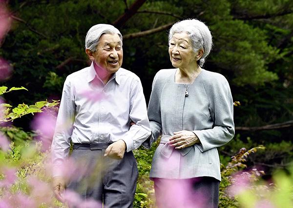 日本上皇後美智子被確診乳腺癌