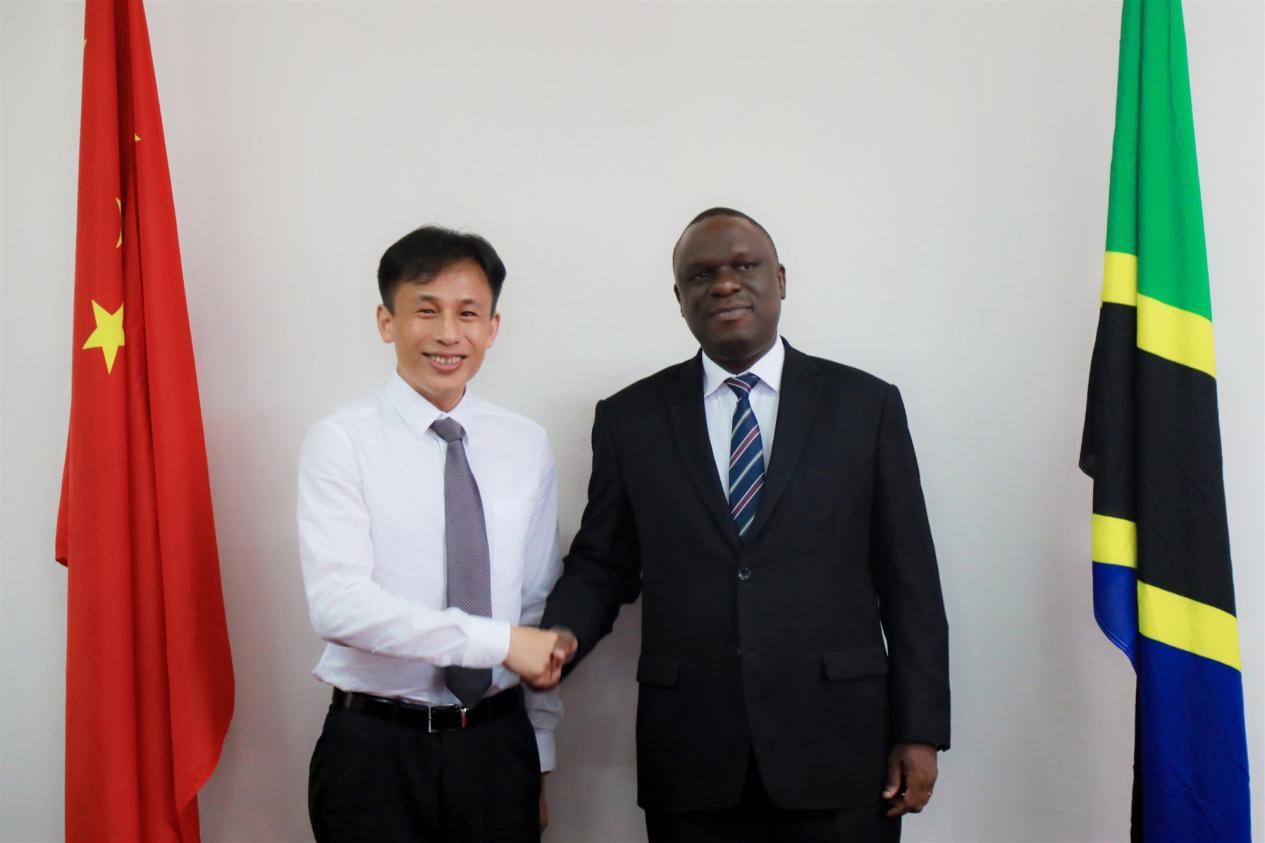 坦桑尼亚驻华大使姆贝尔瓦·凯鲁基会见