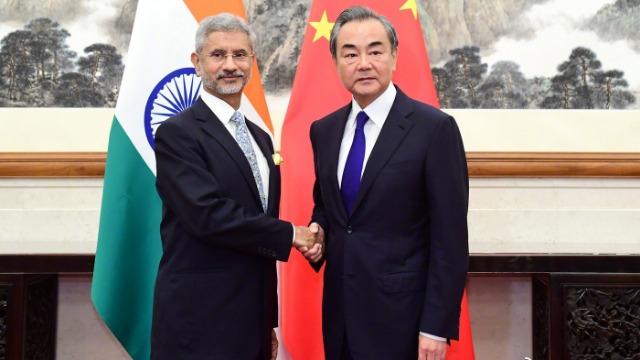"""王毅就克什米尔问题表明立场 印度外长做""""三不""""表态"""