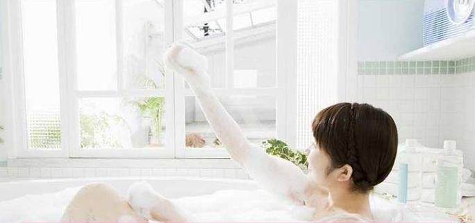 凤凰网梧桐汇商城|夏日用对沐浴露洗澡,调度身体滋补皮肤蚊虫靠边绕