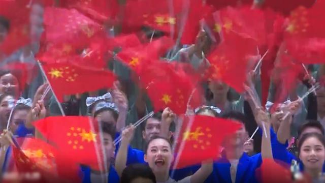逾700位香港青年齐聚成都唱国歌:身为中国人真的很骄傲!
