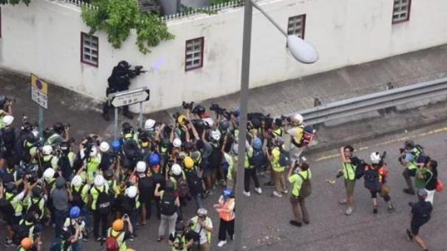 瑞典人员就香港问题在中使馆前恶意滋事  中方严正警告