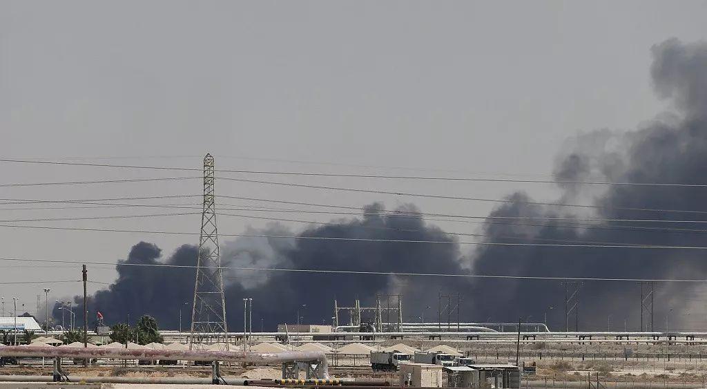 """无人机战术重创沙特,胡塞武装不再是""""拖鞋部队"""""""