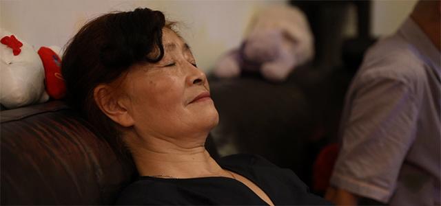 上海大妈出征Costco:我还想拿 但实在拿不动了