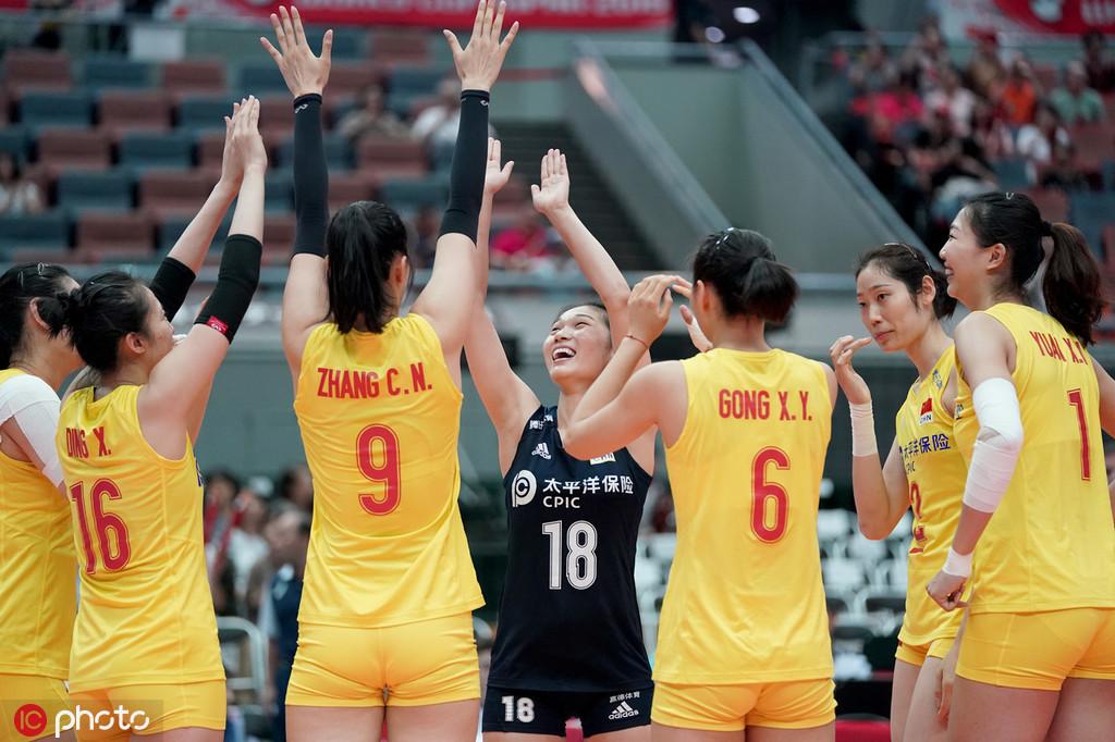 第三局篮球赛朱婷和龚翔宇进攻强势3-0超出。