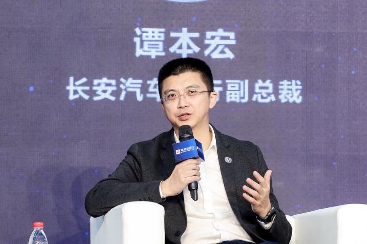 <b>谭本宏:中国品牌会在产业调整中学会合作</b>