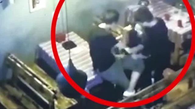 昆明大二女生溺亡 落水前约1小时在酒吧被打
