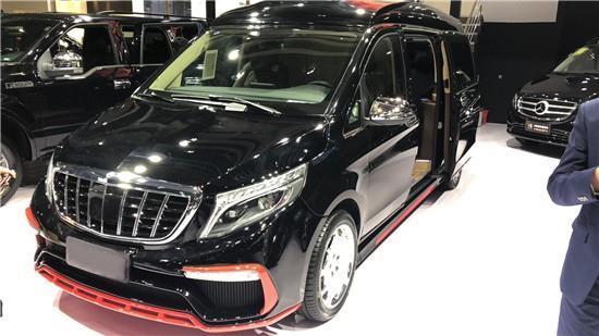 奔驰V260L改装迈巴赫新款包围车展首发