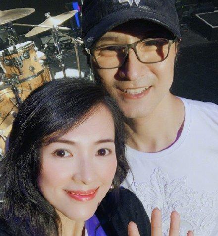汪峰宣布新专辑推迟 发长文感慨希望孩子忠于自我