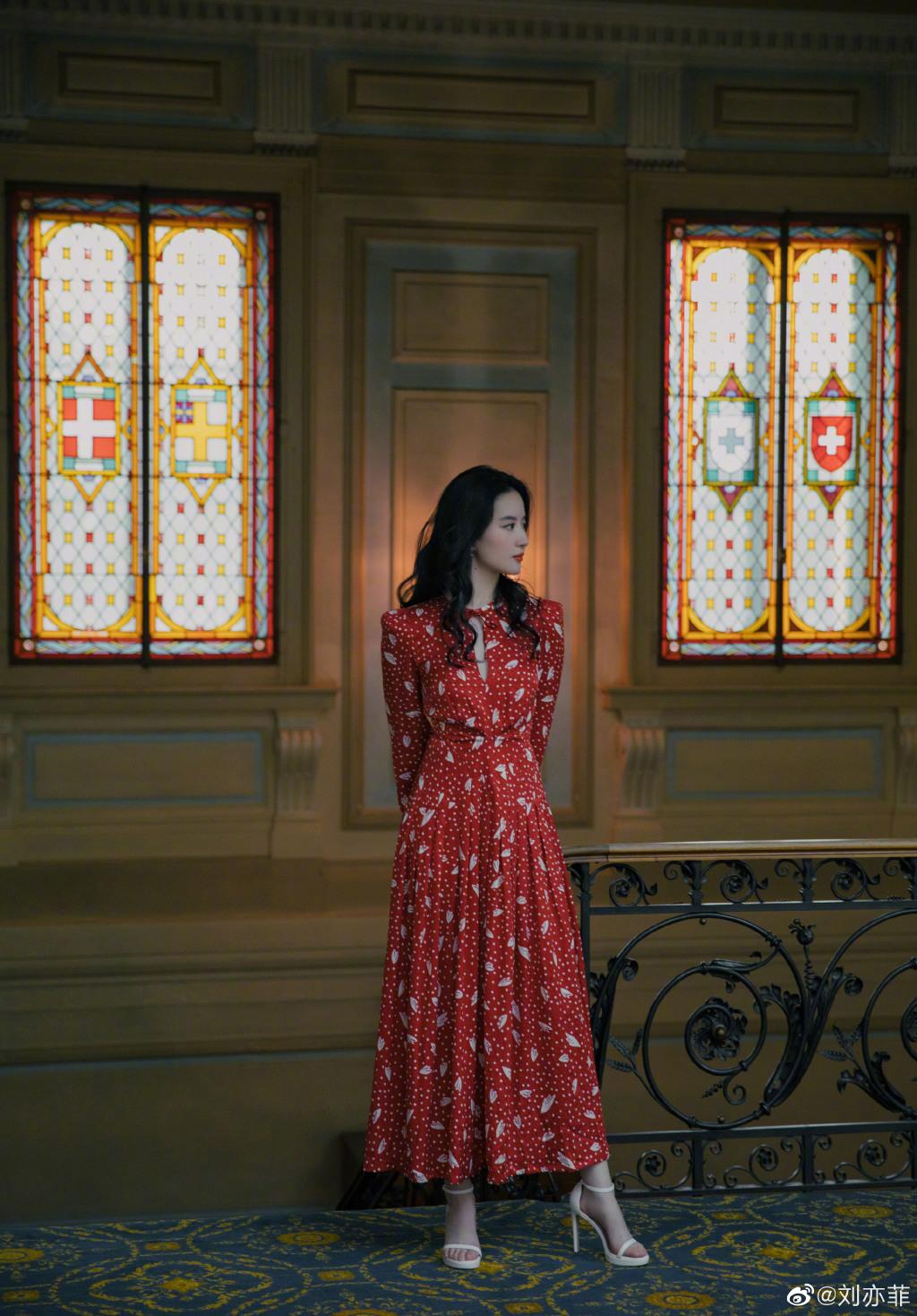 来一发 刘亦菲演绎仙女落泪 神仙姐姐的保养经来一发