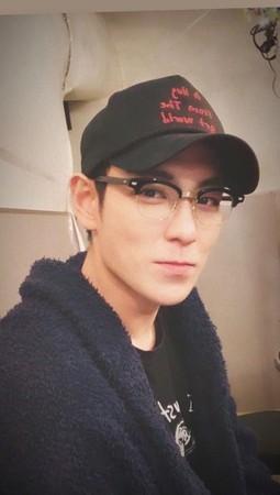BIGBANG成员TOP被曝已离开YG 晒视频疑似另签公司