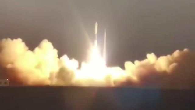 """首次一周双箭!""""快舟一号""""成功发射两颗全球多媒体卫星"""