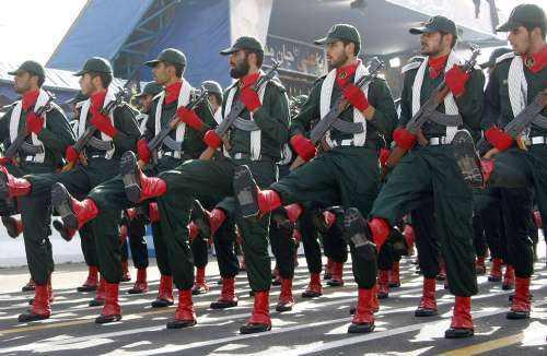 为什么伊朗有革命卫队和国防军两股军事力量?