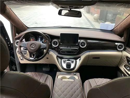 2019款奔驰V260国六改装奢华商务车出行