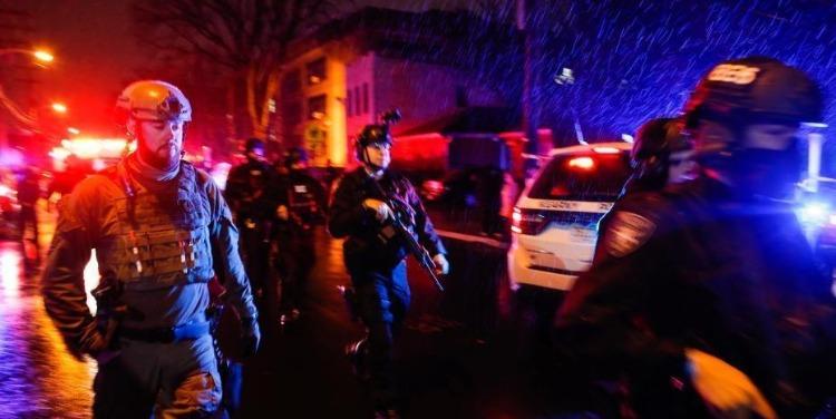 美国新泽西州爆发枪击案致6死 警方嫌疑人激烈交火