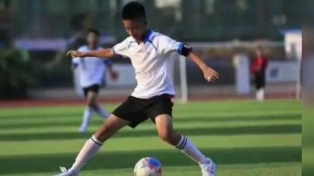 足球小伙赵赫坦言:我废了前半生 背后原因竟是这样的!