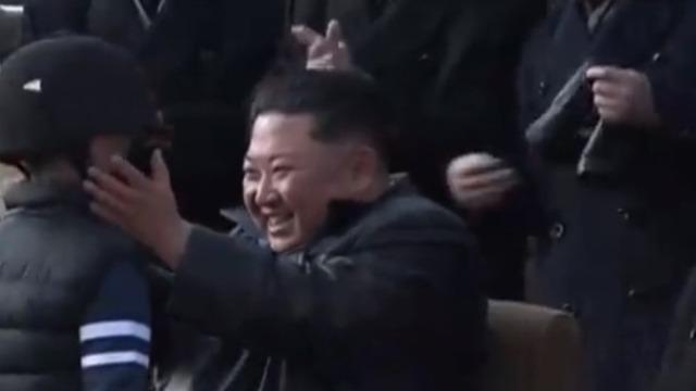 金正恩出席温泉旅游区竣工仪式