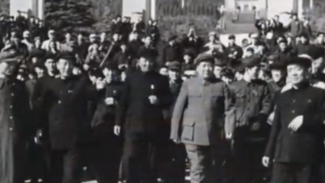 毛泽东谒中山陵:我堂堂国家主席 走小道成何体统