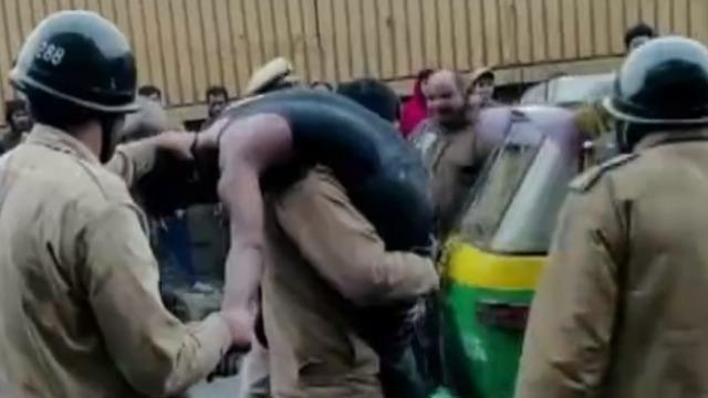 印度工厂涉嫌违法建厂致43人死亡 印总理表示会提供帮助
