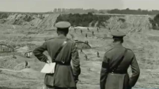 为突破德军防线 坦克成为英军打破战争僵局的最后希望