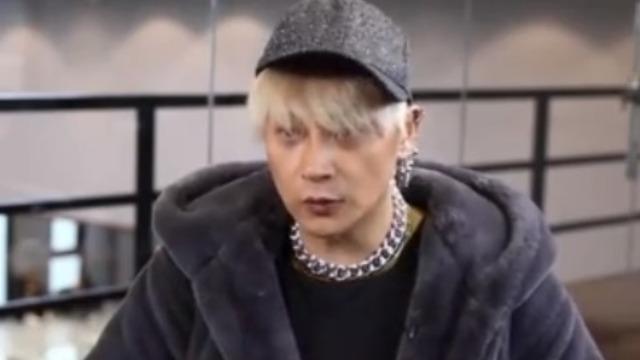 """陈志朋做客鲁豫有约回应""""奇葩""""造型 称那就是真实的自己!"""