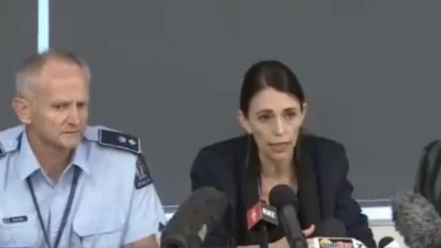 新西兰火山爆发导致5人死亡 失踪者中疑似有两名中国人