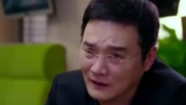 导演汪俊在访谈时夸赞自己长得帅 田川在一旁幽默调侃