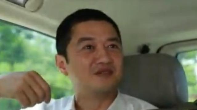 李亚鹏称曾被造谣贪污1亿潜逃 女儿恰巧看到此消息!