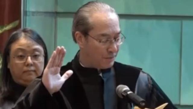 服务26年葡籍法官退休 澳门终审法院法官司徒民正宣誓就职