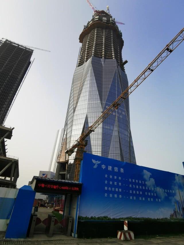 华中第一高楼停工后 绿地成都中心再曝停工百日