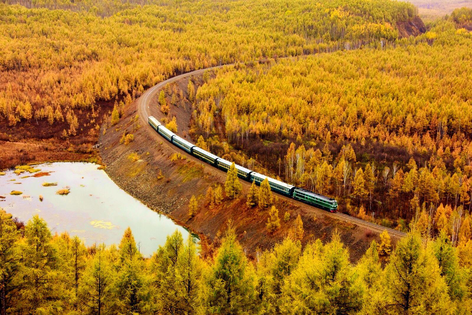 高铁时代里的复古慢车,《惊奇火车之旅