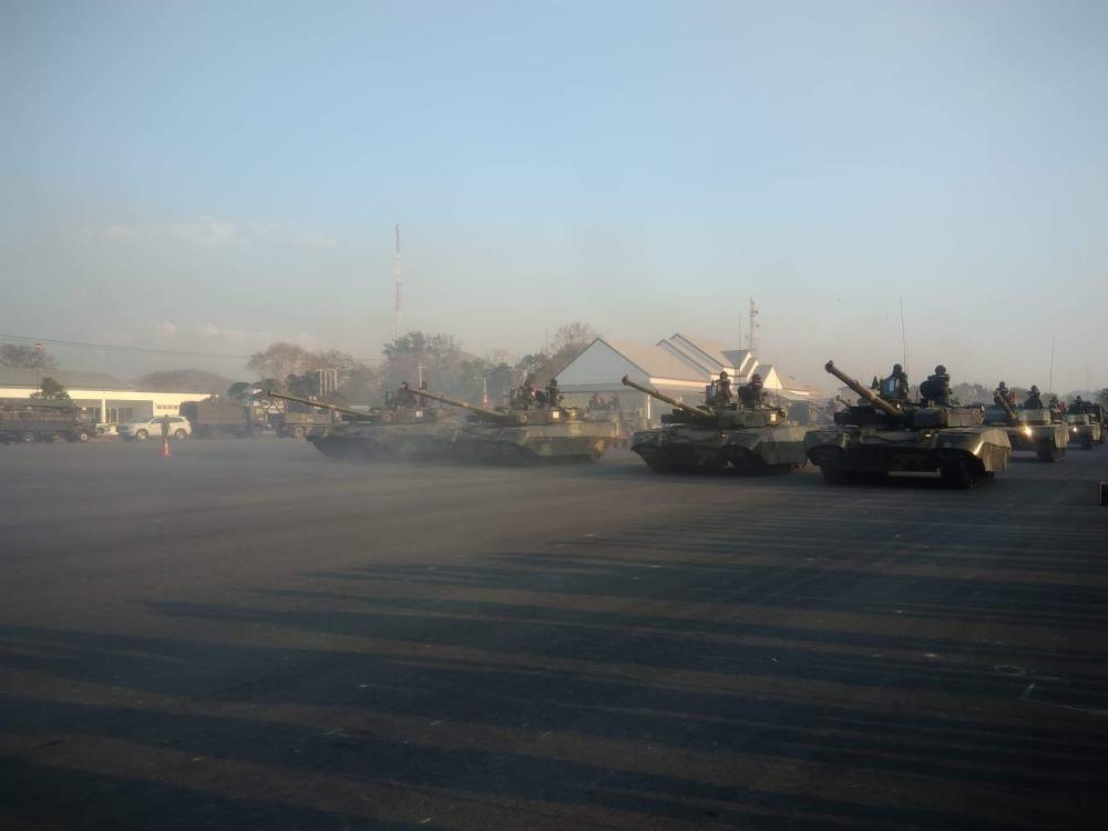 """泰国阅兵彩排 VT4坦克""""斯特赖克""""战车同场受阅"""