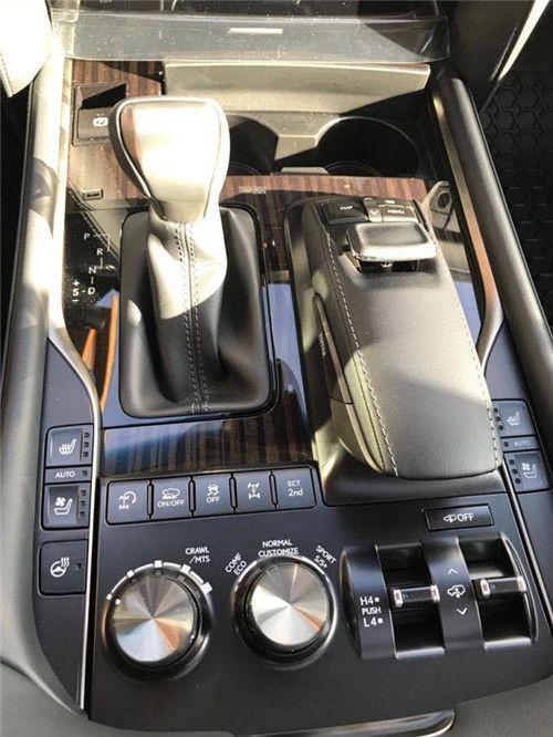 2020款雷克萨斯LX570现车价格最低提回家