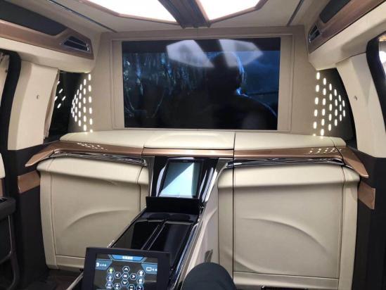 林肯领袖一号豪华商务舱  车身及内饰配置