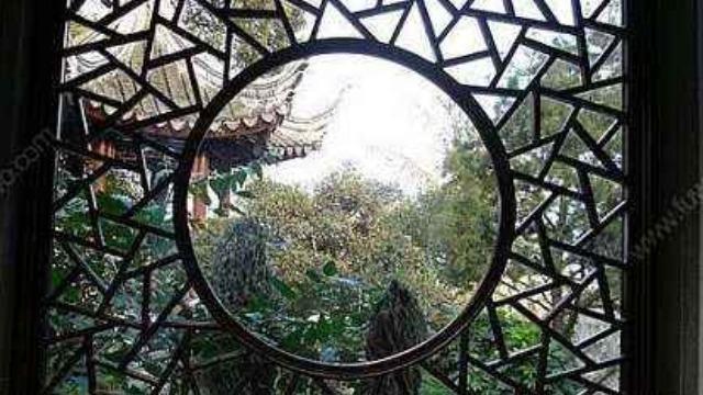古代窗棂形态各异 其中也暗含美好的寓意