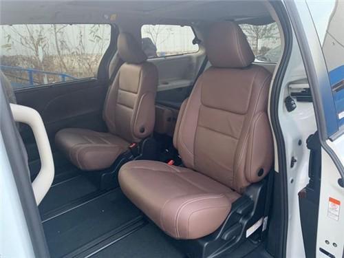 20款丰田塞纳一款真正适合家用商务MPV.