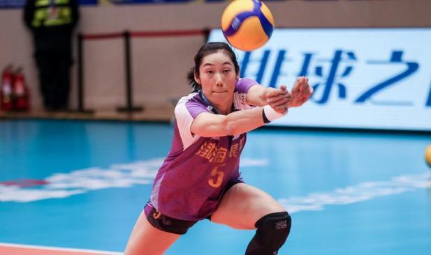 朱婷15连发!排超决赛天津女排3-0上海迎开门红联赛保持全胜