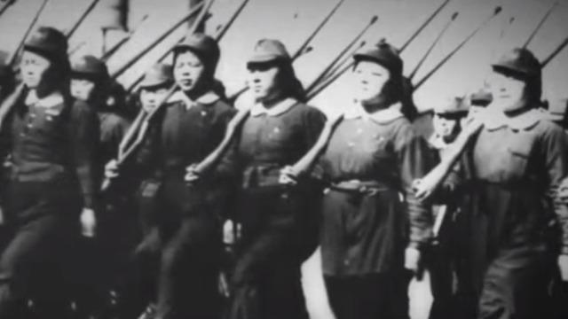 为保卫日本本土 日军在冲绳动员平民参战