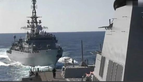 现场实拍!美俄军舰差点相撞 俄罗斯指责:你挡路了
