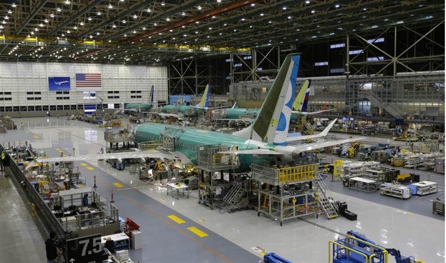 波音737在伊朗坠毁 暴露一个关乎美国未来大问题