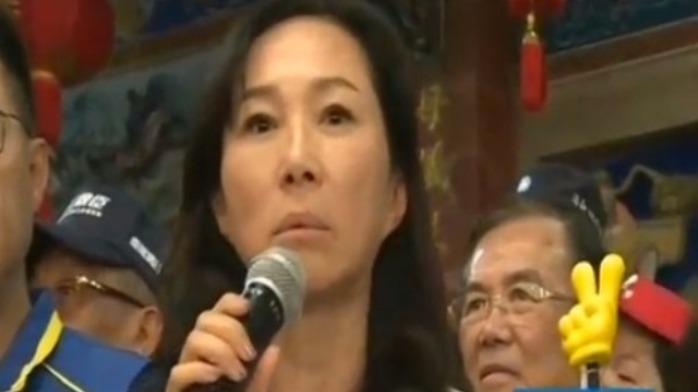 韩国瑜妻子7小时跑7站拉票,怒呛民进党:钱用到哪去了