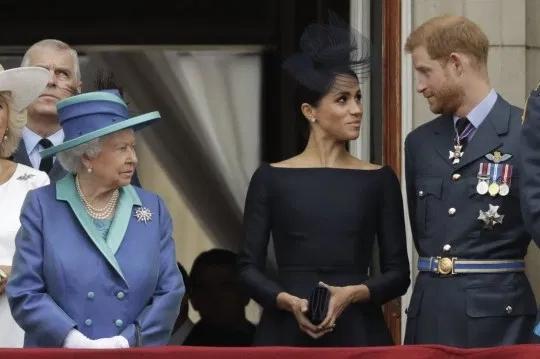 哈里与梅根对外宣布:要放弃英国王室高级成员身份 没有提前告知女王