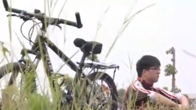 黎亚雄骑车去深圳的途中不幸遭遇车祸 在医院昏迷了3天