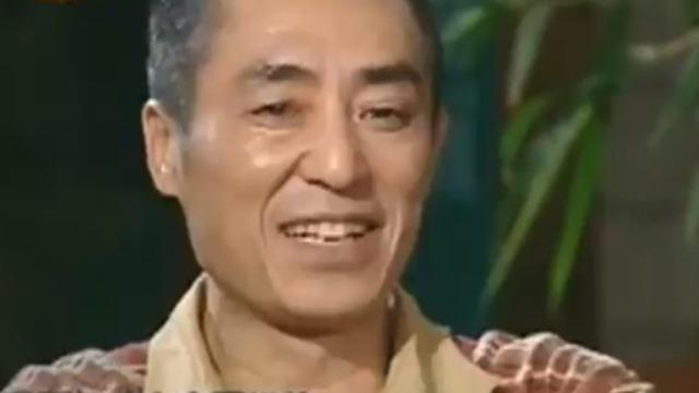 张艺谋调侃陈凯歌拍电影 房上站着保镖像《黑客帝国》
