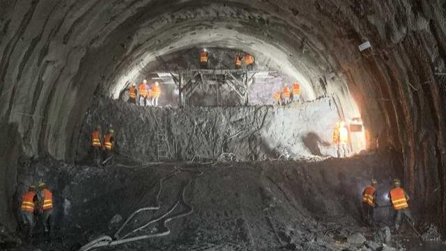 喜报!中老铁路最长隧道掘进破万米大关