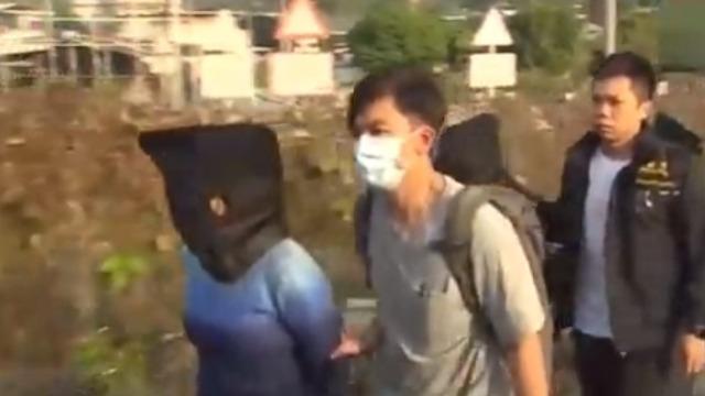 香港上水农田挖出一包烈性炸药 警方再拘捕三人