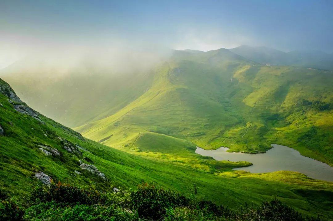 """""""中国最美海岛""""!这里藏着万亩草场,还被赞为""""南国天山""""!"""