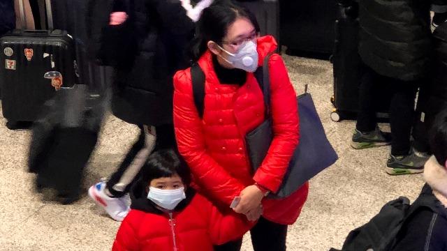 全程记录返回武汉 三日内戴口罩人数增多