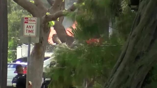 美国夏威夷枪击现场:嫌犯枪杀2名警察后放火烧屋